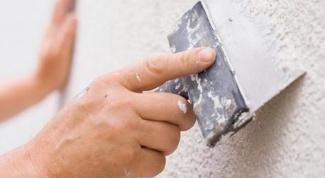 Как шпатлевать стены