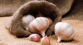 What vitamins in garlic