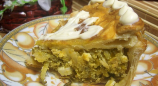 Как приготовить пирог с солеными огурцами