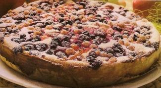 Как приготовить простой ягодный пирог с маком