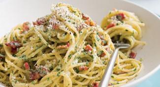 Как готовить спагетти карбонара: простой рецепт