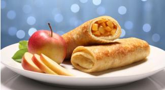 Как приготовить тонкие блинчики с пряной яблочной начинкой