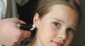 Какими способами прокалывают уши