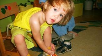 Как приучить ребенка к самостоятельному одеванию