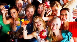 Как устроить тематическую вечеринку