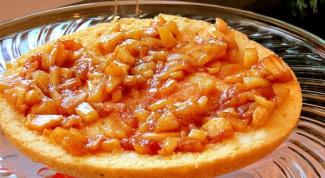 Как приготовить бисквитный торт с яблоками