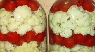 Как солить цветную капусту с помидорами