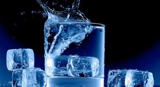 Как приучить себя пить больше воды?