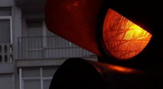 Как тормозить перед светофором
