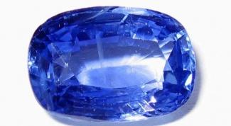 Синий камень как украшение
