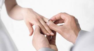 Как выбрать помолвочное кольцо с бриллиантом