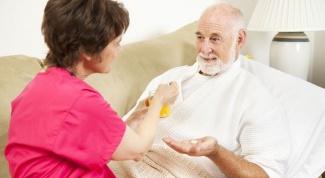 Как лечить запор у лежачих больных