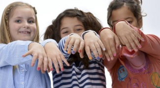 It possible for children to paint nails
