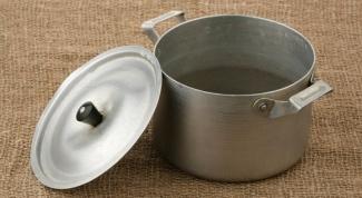 Как отмыть гарь с кастрюли