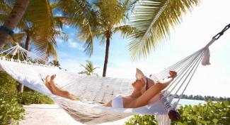 Как вернуться из отпуска без лишних килограммов