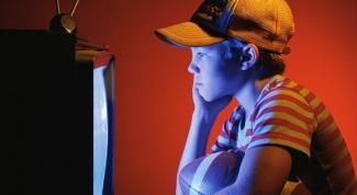 Когда ребенку можно начать смотреть телевизор