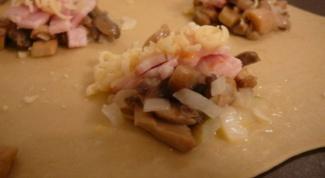 Равиоли с начинкой из грибов и ветчины