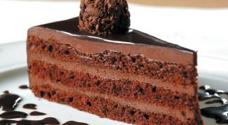 Как приготовить шоколадный бисквитный торт