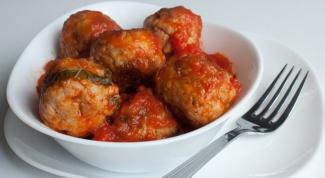 Фрикадельки с томатно-чесночным соусом