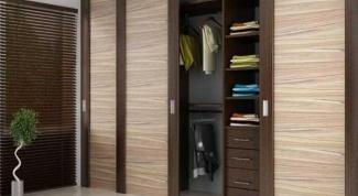 Какие двери для гардеробной комнаты лучше