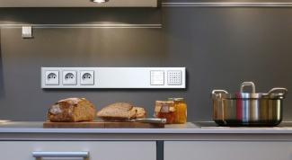 Как правильно разместить розетки на кухне