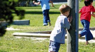Чему учит ребенка игра в прятки