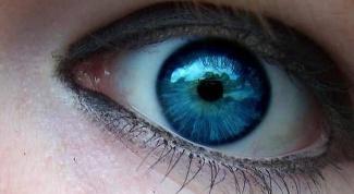 Можно ли без операций и цветных линз изменить цвет глаз