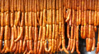 Как приготовить колбасу из оленины