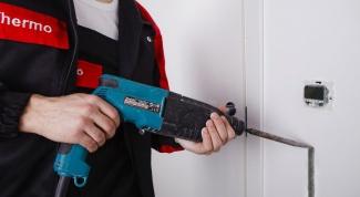 Как проштробить стены под электрику без пыли