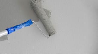 Можно ли красить ванную водоэмульсионной краской