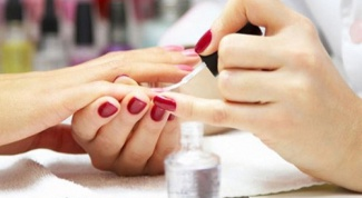 How to remove gel nails with acetone and foil