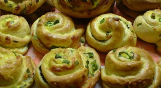 Турецкие витушки с сыром и зеленым луком