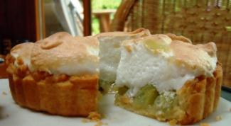 Как испечь пирог с крыжовником и меренгой