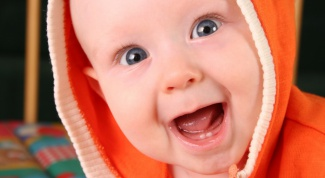 Какие сроки прорезывания зубов у малышей