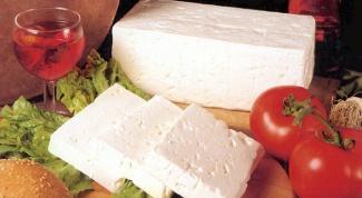 Чем полезен и вреден сыр брынза