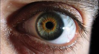Какие первые признаки катаракты глаз
