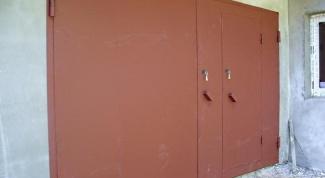 Какой краской лучше всего покрасить гаражные ворота