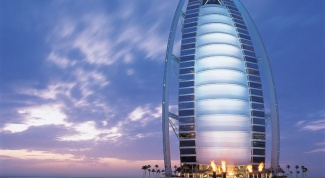 Money in what currency to take to Dubai