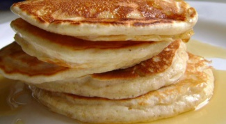 How to cook pancakes on yogurt and yeast