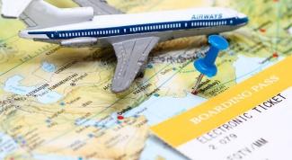Почему билеты на самолет туда-обратно стоят дешевле