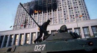 В чем разница между штурмом Белого Дома 1993 и Майданом 2014