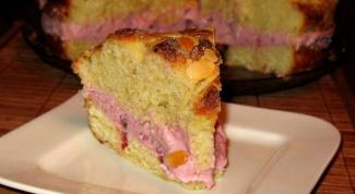 Пирог с бруснично-сливочной прослойкой