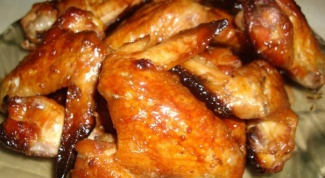 Chicken wings in sweet and sour sauce