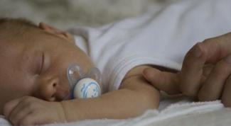 Как сшить распашонки для новорожденных своими руками