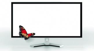 Почему при включении компьютера появляется белый экран
