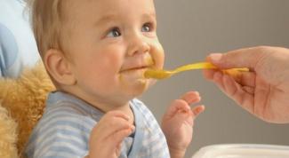 Как правильно кормить ребенка в 5 месяцев
