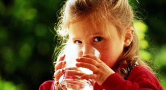 Is it possible to drink mineral water for children: for and against