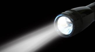 Фонарь аккумуляторный – луч света в сумраке ночи