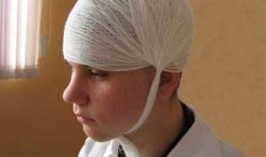 Какая первая помощь при травме волосистой части головы