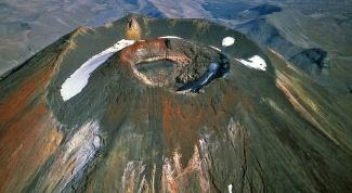 Как называется и где находится самый большой вулкан